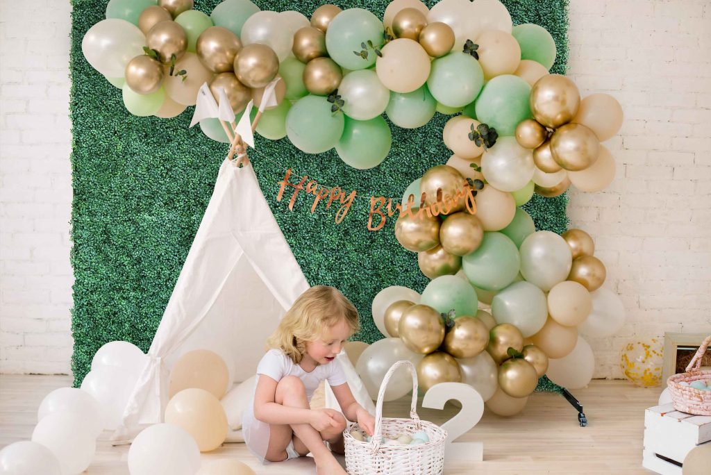 boxwood backdrop 2 in 1 baby